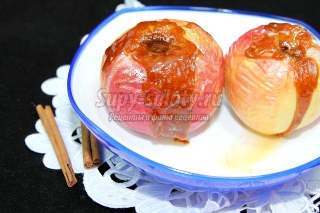 печеные яблоки в карамели