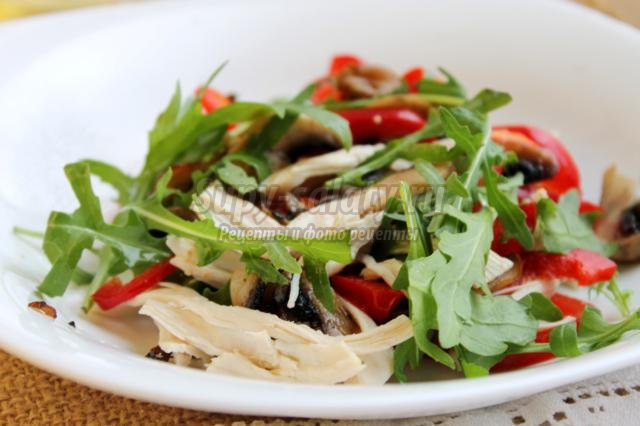 Простые рецепты салата с шампиньонами и курицей