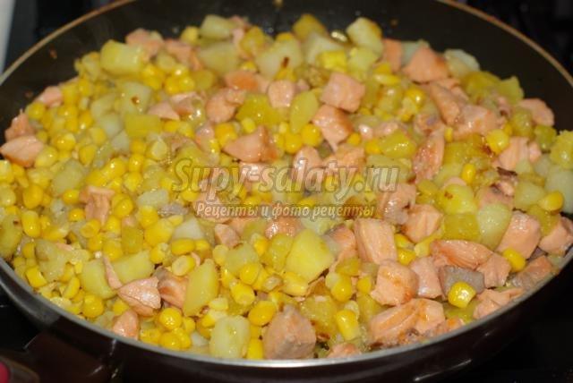 лосось с овощами на Новый год в яично-молочной заправке