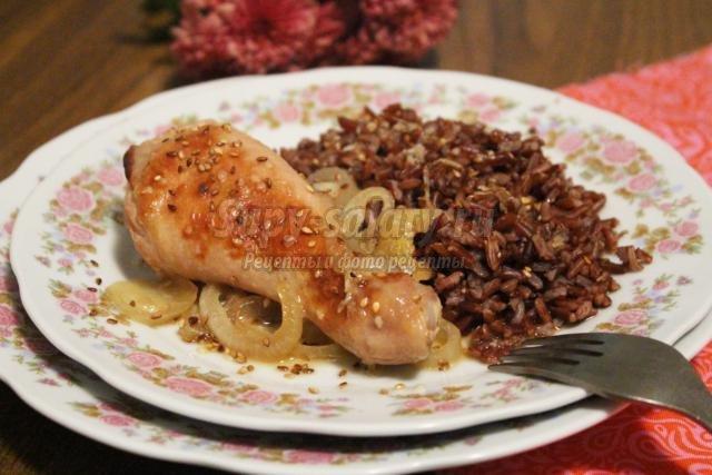 курица в соево-имбирном маринаде с красным рисом
