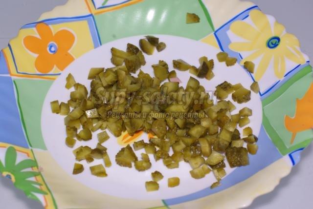 салат из оливье на детский день рождения. Ежик