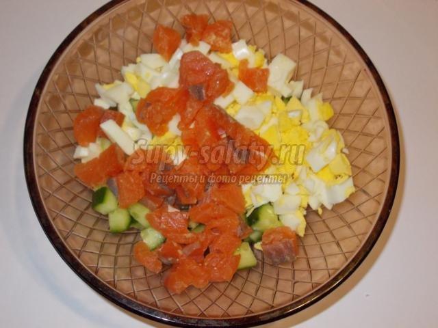 Салат с рыбой с пошаговым фотоом