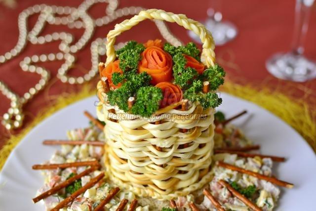 Салаты в сырной корзинке рецепты с