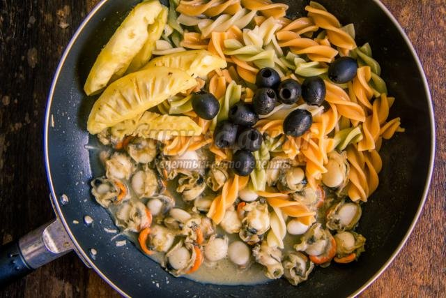 Салаты морской с ананасами рецепт
