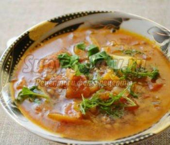 суп из чечевицы с кориандром и красным перцем