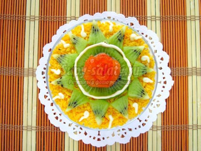 салат на Новый год с красной рыбой