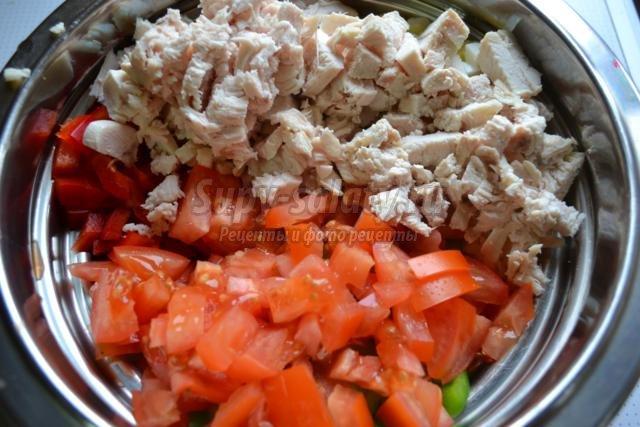 новогодний салат с курицей и болгарским перцем