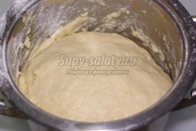 гусь, фаршированный хлебом с цукатами и сухофруктами