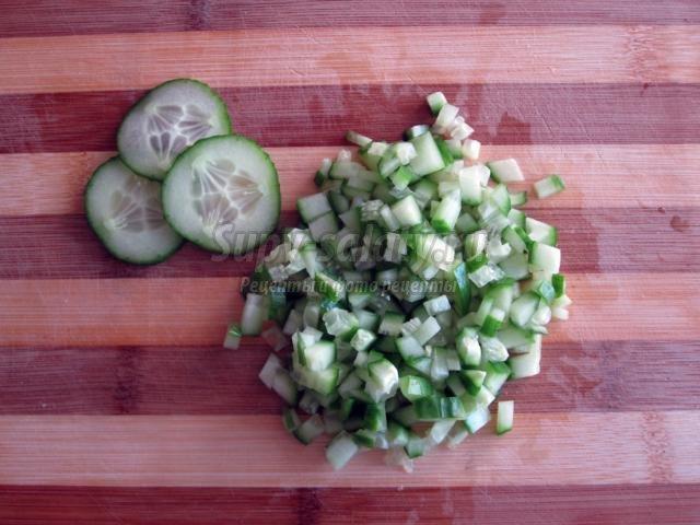 праздничный салат со шпротами