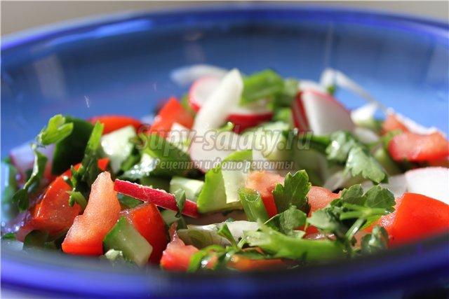 Салаты из свежих помидоров: самые простые рецепты