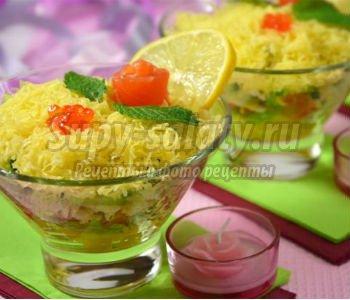салат-коктейль из малосольной семги
