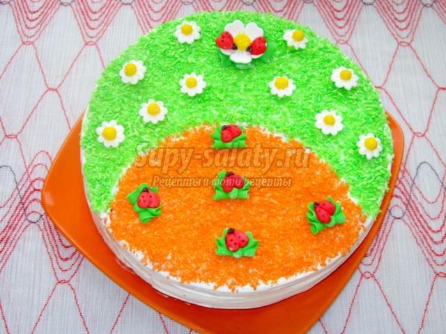 бисквитный торт со сметанным кремом. День рождения
