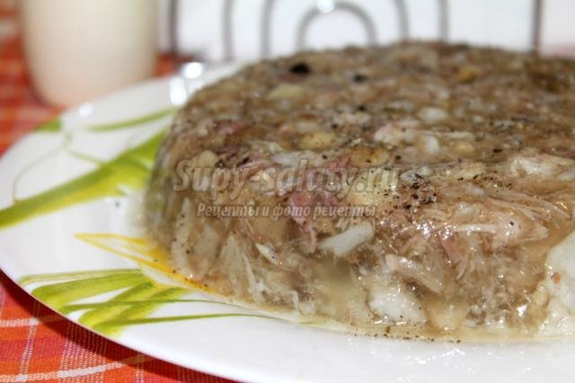 Рецепт холодца из рульки свиной и ножек свиных