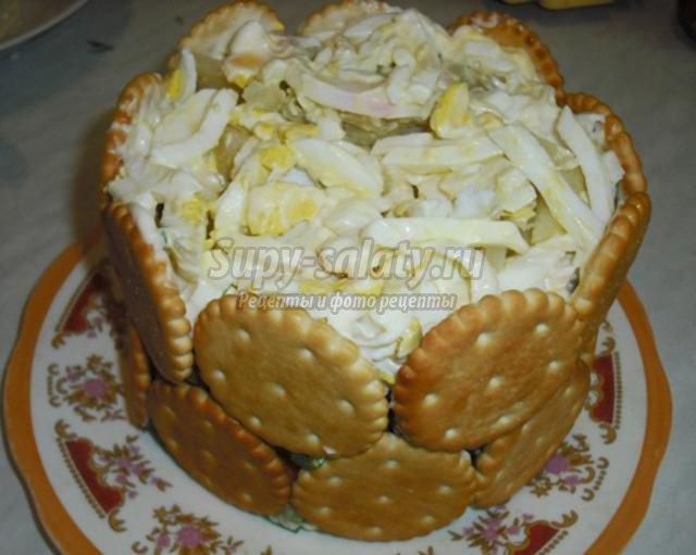 салат на 8 Марта с ветчиной и редисом. Фиалки