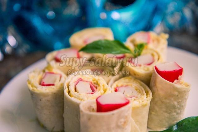 закуска из лаваша и крабовых палочек