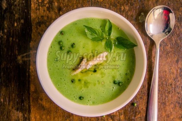 зеленый крем-суп с перцем