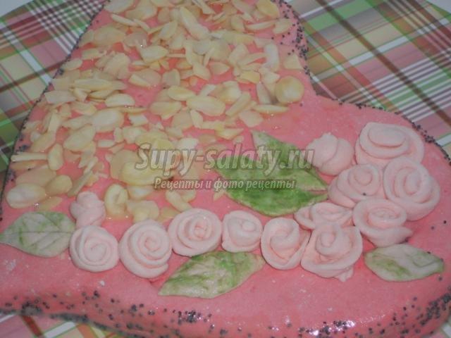 клубничный торт с мастикой ко Дню Святого Валентина. Для тебя