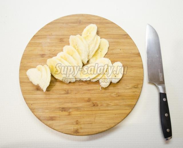 фруктовый десерт ко Дню Святого Валентина. Валентинка