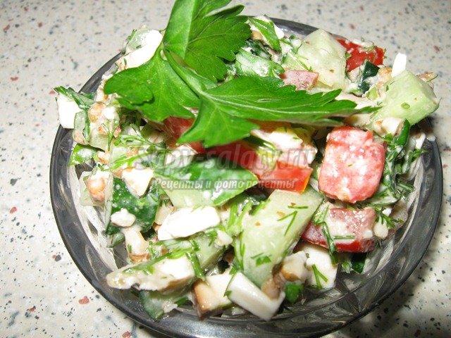 Как приготовить салат из брынзы и помидор