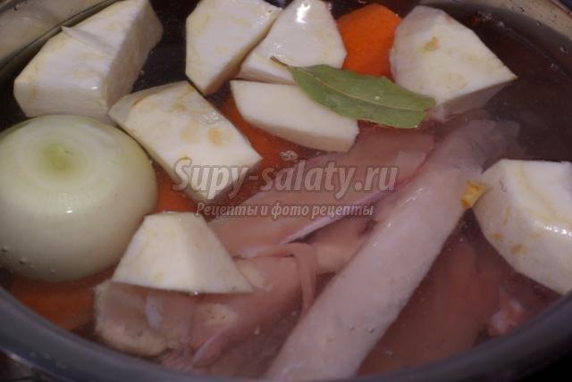 диетический куриный бульон с клецками