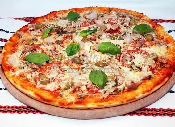 Быстрая пицца на кефире: с курицей и сладким перцем