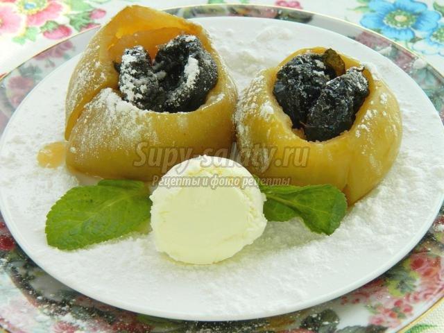 печеные яблоки с черносливом и медом в мультиварке