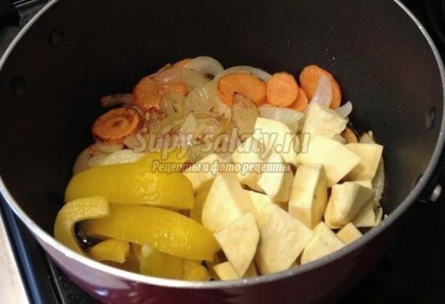 суп-крем с чечевицей и сладким картофелем