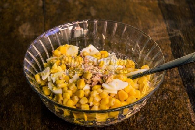блины по-баварски с кукурузой и консервами