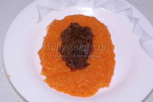 постные морковные котлеты с черносливом и изюмом