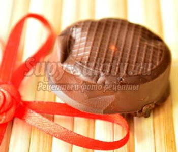 шоколадные конфеты с черносливом и арахисом. Южанка