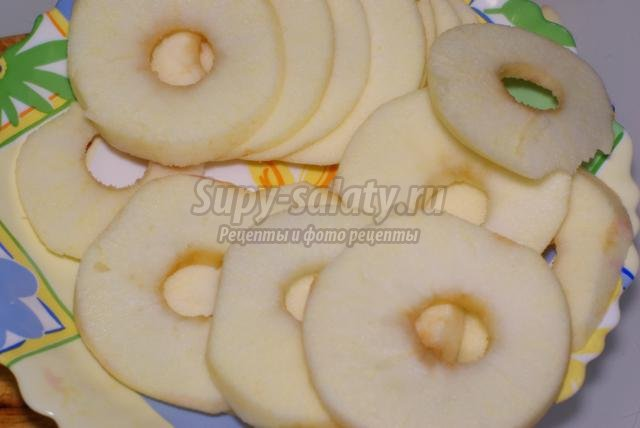 постная запеканка из картофеля, свеклы и яблок