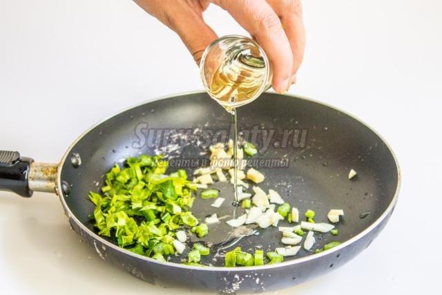 пюре из тыквы с имбирем, сельдереем и чесноком