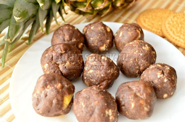 шоколадное печенье с кусочками шоколада фото