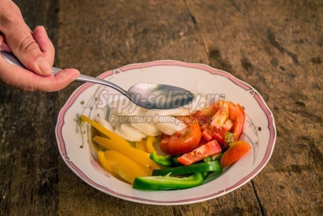 постный овощной салат с дайконом. Свежесть
