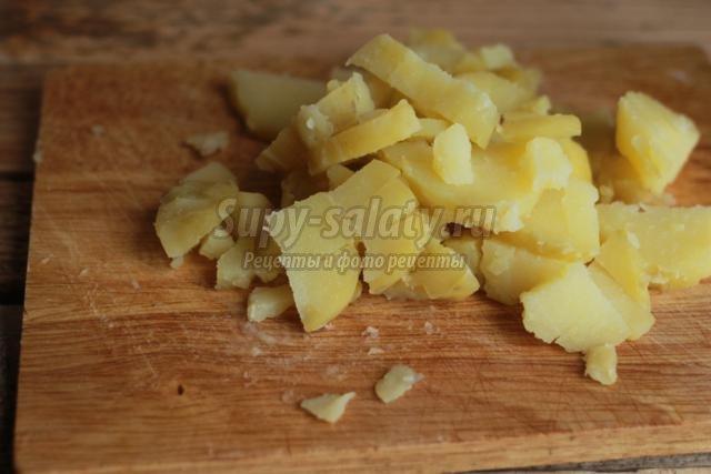 салат из картофеля со свиной печенью