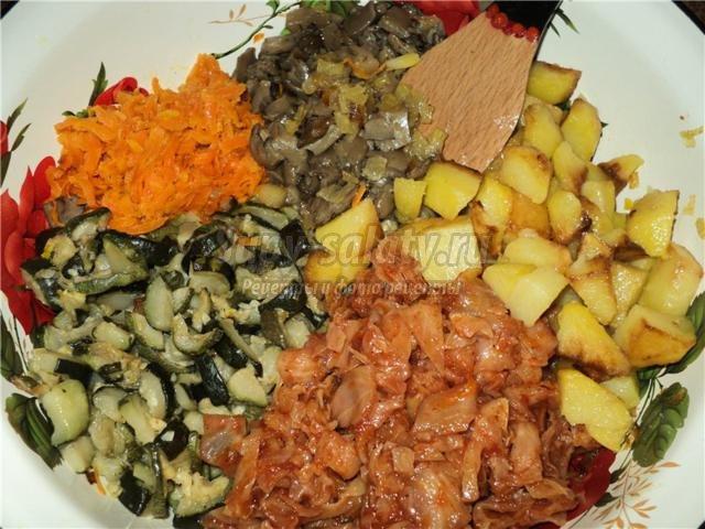 постное овощное рагу с цукини и грибами