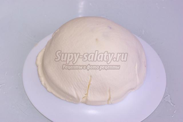 творожная пасха с белым шоколадом и сушеным кизилом