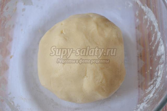 пирог из песочного теста с грушами