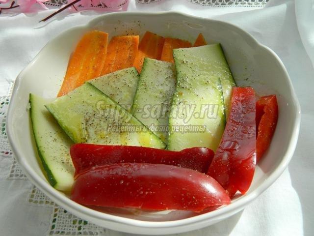 закуска из овощей гриль с йогуртовым соусом