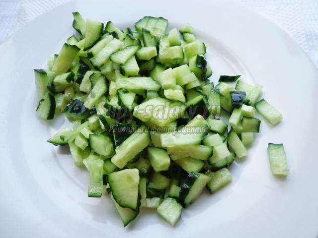 салат оливье с зеленым луком