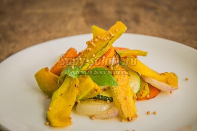 теплый тыквенный салат с цуккини
