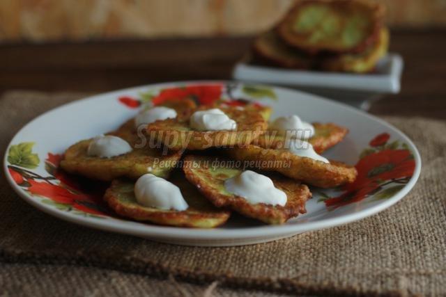 кабачковые оладьи с чесноком
