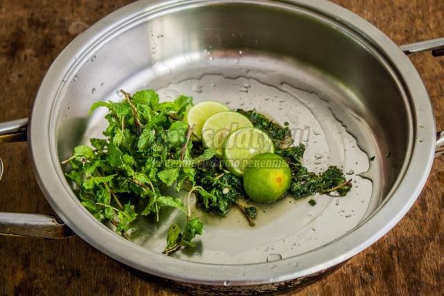 мохито с лаймом и мятой