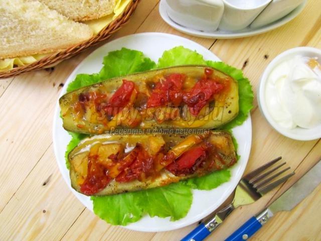 кабачки, запечённые с беконом и овощами