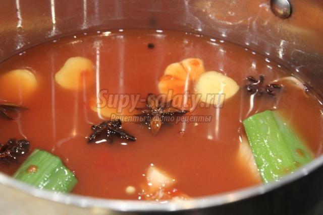 лапша Удон с овощами и креветками в кисло-сладком соусе
