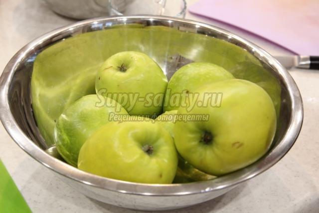 десерт с мороженым. Райское яблочко