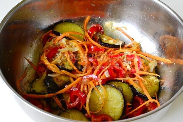 овощной салат-закуска. баклажаны с морковью