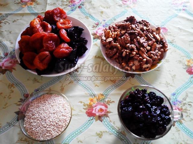 конфеты с сухофруктами и орехами. Букет сыроеда