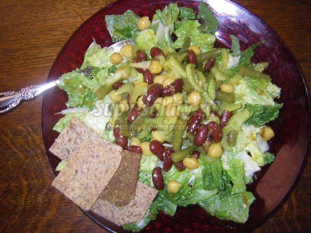 салат с сухариками и фасолью. Пошаговые фоторецепты