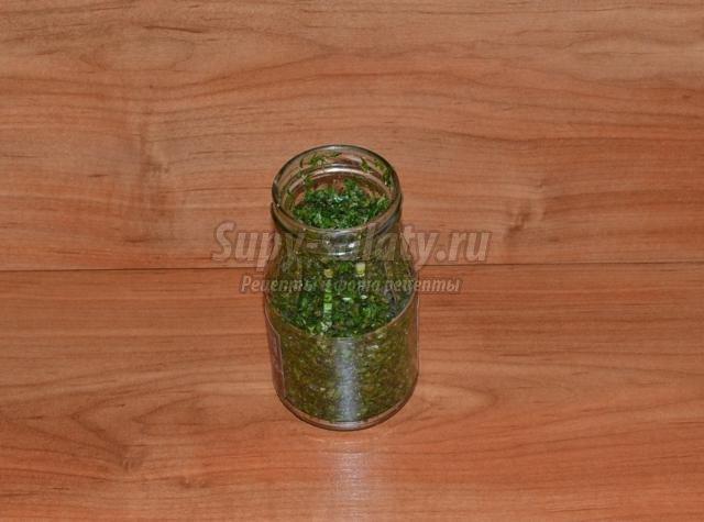 пряная смесь из трав с чесноком на зиму